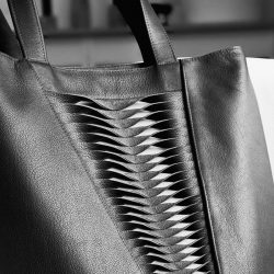 LOOK & FEEL It is always a great feeling when the structure of my bag Plica Twist attracts the attention of a visitor at a trade fair or exhibition, who then determinedly approaches the bag, and finally strokes the lamellar surface. Leather is such a sensual-appealing material, and I am always setti...