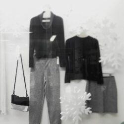 SPOTTED IN DÜSSELDORF Die Umhängetasche FINA PURE schmückt derzeit das Schaufenster von @roberta_thestore auf der Nordstr. 71 in Düsseldorf! —— More pics: #finapureblacksilver More bags: #sharokinabags • • • #SHAROKINA #store #leather #fashion #handmade #accessories #designer #local #style #lifestyl...