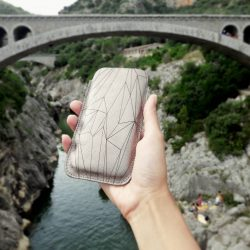 Two months ago in France - Pont du diable Phonecase by #SHAROKINA —— More pics: #cavapolygonlightbronze More phone cases: #cavacase —— SHOP: www.sharokina.com —— #phonecase #cava #polygon #bronze #metallic #handmade #love #accessories #design #leather #iphone #phonesleeve #iphonecase #case #france #...