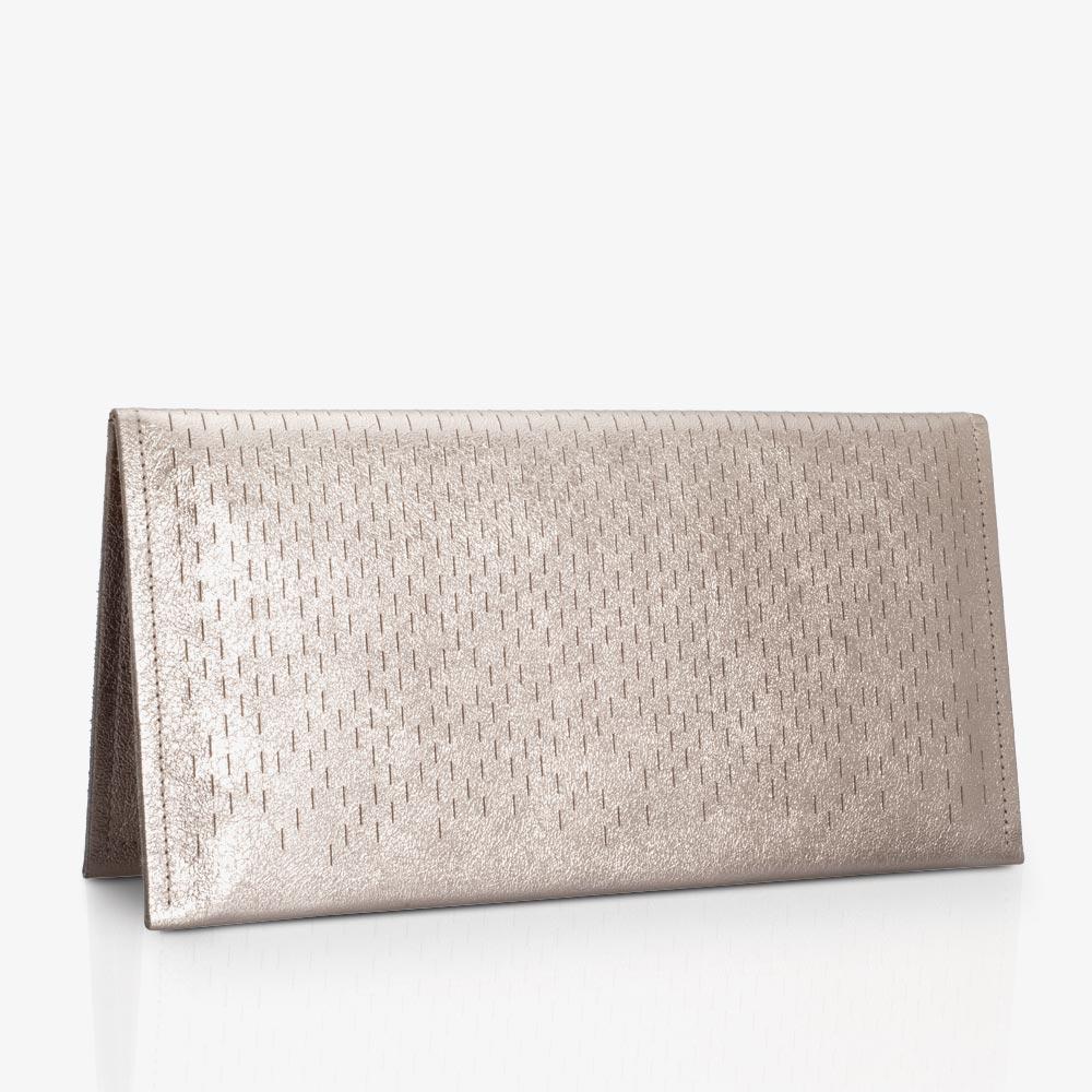 Clutch aus Leder in Bronze mit Lasercut, elegante Abendtasche aus Metallic-Leder mit zweifarbigem Metall-Reißverschluss. SHAROKINA Pola Slice
