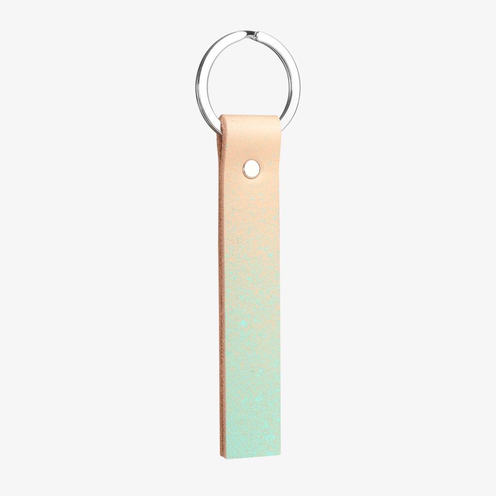 Schlüsselanhänger aus pflanzlich gegerbtem Leder in Nude und Mint, Farbverlauf. SHAROKINA Vaga Fade