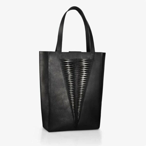 Handtasche aus Leder in Schwarz & Bronze mit Lamelleneffekt. SHAROKINA Plica Premium Tote